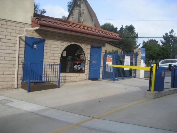 US Storage Centers - La Crescenta - Photo 8