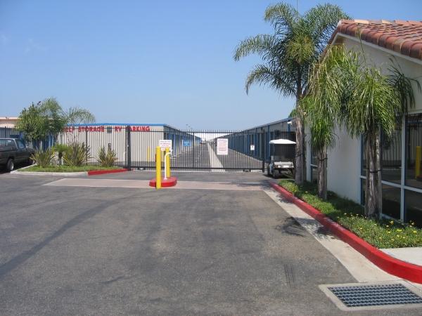 US Storage Centers - Torrance - Photo 2