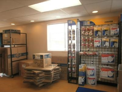Uncle Bob's Self Storage - North Haven - Photo 5