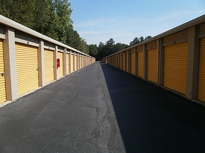 Uncle Bob's Self Storage - Riverdale - Highway 138 SW - Photo 7