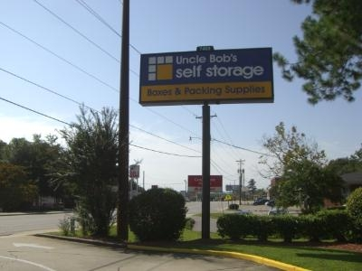 Uncle Bob's Self Storage - Columbia - Parklane Rd - Photo 6