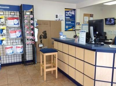 Uncle Bob's Self Storage - Newport News - Jefferson Ave - Photo 2