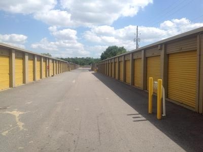 Uncle Bob's Self Storage - Orlando - 4066 Silver Star Rd - Photo 7