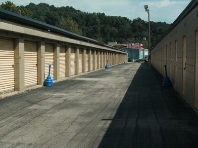 Uncle Bob's Self Storage - Birmingham - Ward Way - Photo 9