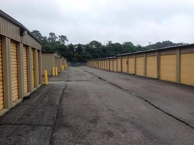 Uncle Bob's Self Storage - Newport News - J Clyde Morris Blvd - Photo 6