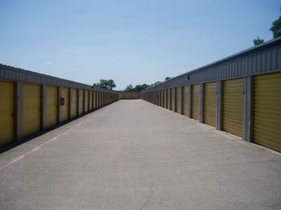 Uncle Bob's Self Storage - Arlington - N Little School Rd - Photo 3