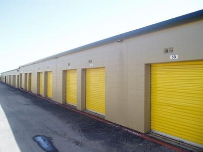 Uncle Bob's Self Storage - Dallas - 9450 Hargrove Dr - Photo 3