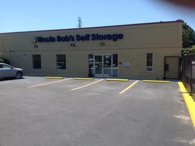 Uncle Bob's Self Storage - Norfolk - S Naval Base Rd - Photo 1