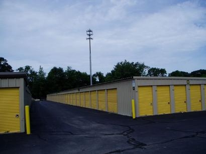 Uncle Bob's Self Storage - East Greenwich - 2771 S County Trl - Photo 4