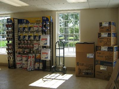 Uncle Bob's Self Storage - East Greenwich - S County Trl - Photo 8