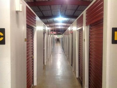 Uncle Bob's Self Storage - Lafayette - Guilbeau Rd - Photo 6