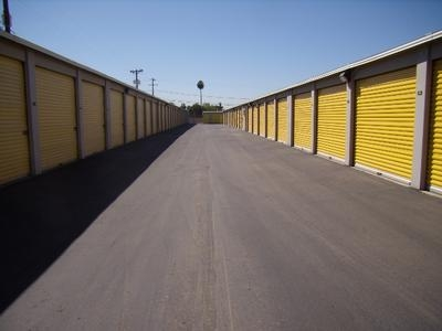 Uncle Bob's Self Storage - Phoenix - W Camelback Rd - Photo 8