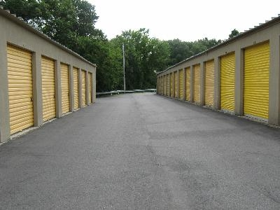 Uncle Bob's Self Storage - Dracut - Photo 3