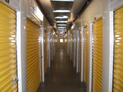 Uncle Bob's Self Storage - Columbia - Garners Ferry Rd - Photo 3