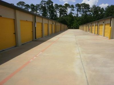 Uncle Bob's Self Storage - Houston - Jones Rd - Photo 3