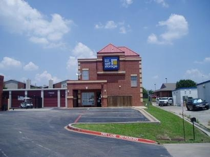 Uncle Bob's Self Storage - Arlington - Little - Photo 1