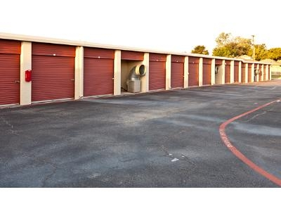Uncle Bob's Self Storage - Arlington - Little - Photo 6
