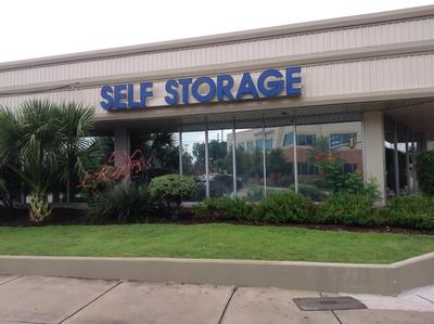Uncle Bob's Self Storage - San Antonio - Broadway St - Photo 1