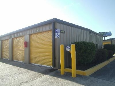 Uncle Bob's Self Storage - Lafayette - NE Evangeline Thwy - Photo 5