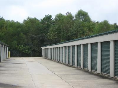Uncle Bob's Self Storage - Auburn - Gatewood - Photo 7