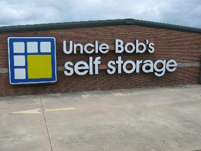 Uncle Bob's Self Storage - Columbus - Armour Rd - Photo 4