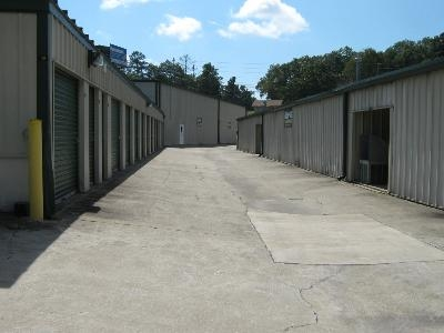 Uncle Bob's Self Storage - Columbus - Amber Dr - Photo 3