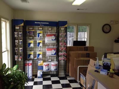 Uncle Bob's Self Storage - Columbus - Amber Dr - Photo 4