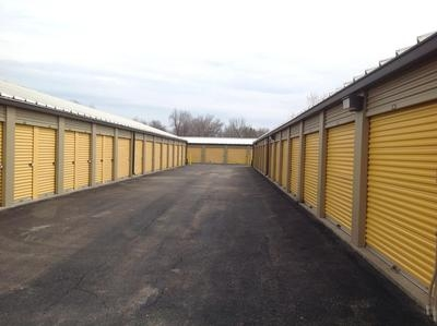 Uncle Bob's Self Storage - Tonawanda - Photo 4