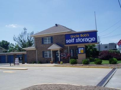 Uncle Bob's Self Storage - Louisville - Dixie Hwy - Photo 1