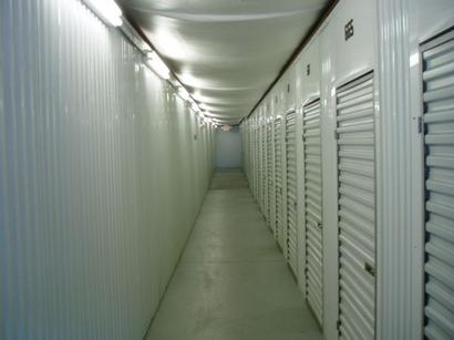Uncle Bob's Self Storage - Louisville - Dixie Hwy - Photo 2