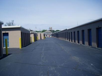 Uncle Bob's Self Storage - Louisville - Dixie Hwy - Photo 5