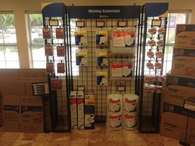 Uncle Bob's Self Storage - Dallas - Milton St - Photo 5