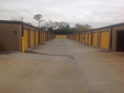Uncle Bob's Self Storage - Houston - Long Point Rd - Photo 6