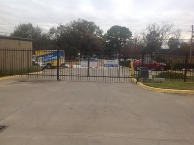 Uncle Bob's Self Storage - Houston - Long Point Rd - Photo 7