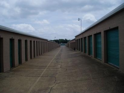 Uncle Bob's Self Storage - Dallas - 3210 S Buckner Blvd - Photo 3
