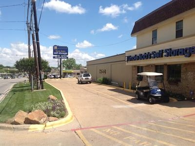 Uncle Bob's Self Storage - Dallas - 3210 S Buckner Blvd - Photo 5