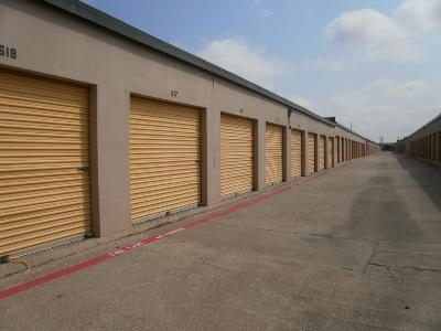 Uncle Bob's Self Storage - Dallas - N Buckner Blvd - Photo 4