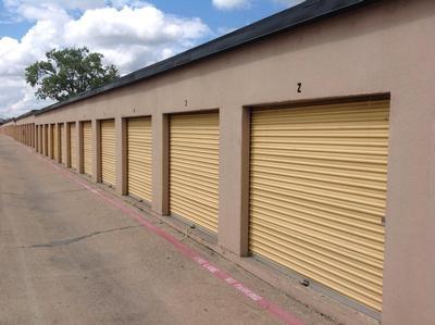 Uncle Bob's Self Storage - Dallas - N Buckner Blvd - Photo 3