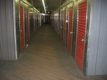Howard Baronne Storage Center - Photo 4