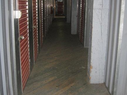 Howard Baronne Storage Center - Photo 5