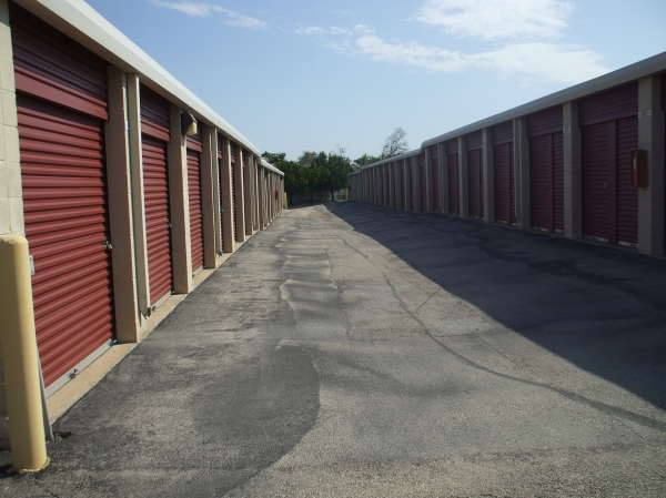 Alamo-Redbird Self Storage - Photo 3