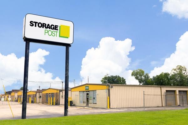 Storage Post - Tom Drive - Photo 1
