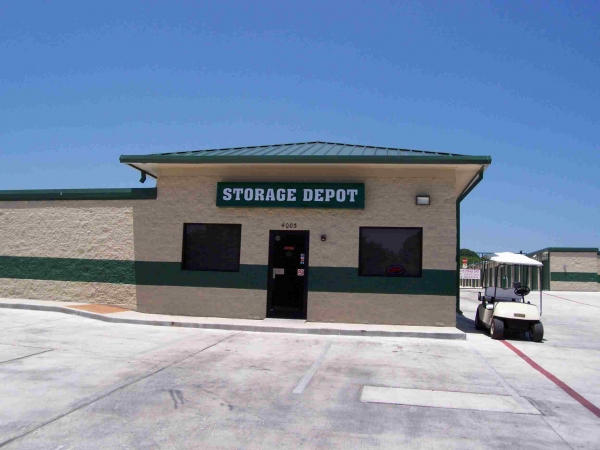 Storage Depot - San Antonio - Callaghan - Photo 1