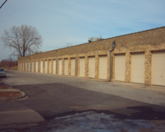 Foster Ravenswood Self Storage - Photo 4