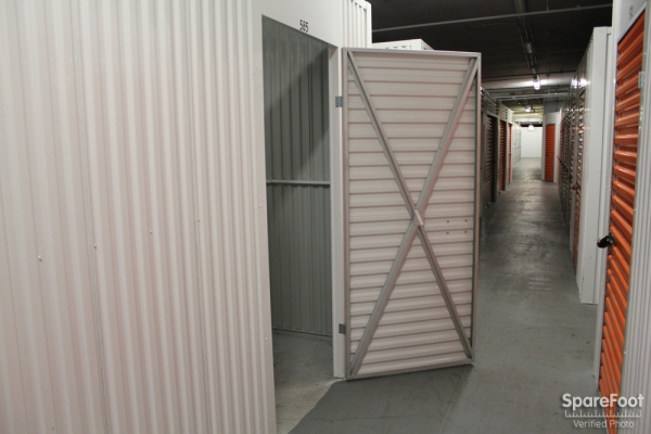 Foster Ravenswood Self Storage - Photo 13
