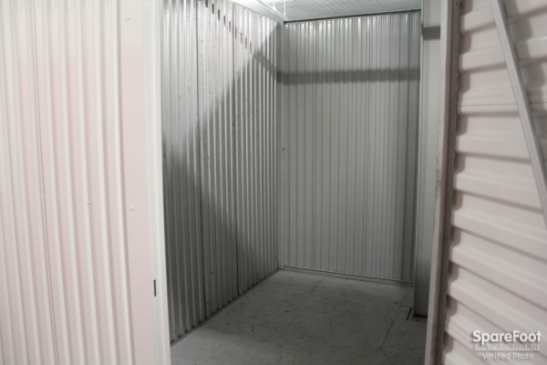Foster Ravenswood Self Storage - Photo 14