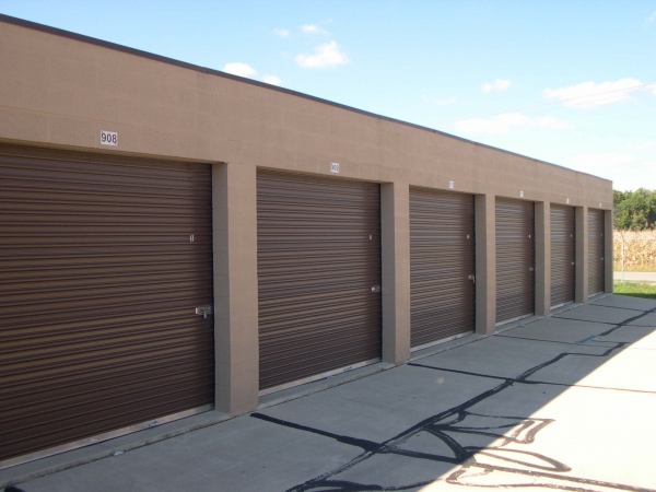 Community Storage - Broadway - Photo 4