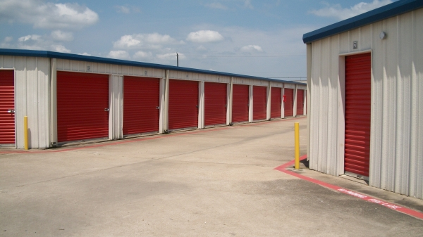 Iron Guard Storage - Webster - Photo 2