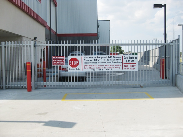 Proguard Self Storage - Braeswood - Photo 4