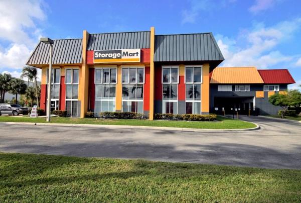 StorageMart - Griffin Rd & I-95 - Photo 1